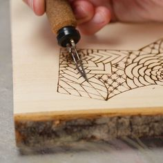 Let this woodcut show you the way. Let this woodcut show you the way. The post California dreamin'? Let this woodcut show you the way. appeared first on Wood Ideas. Wood Burning Crafts, Wood Burning Patterns, Wood Burning Art, Wood Crafts, Fun Crafts, Diy And Crafts, Arts And Crafts, Diy Holz, Diy Art