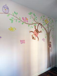 arbol en pared pintado a mano