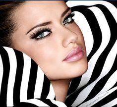 Adriana Lima make up Sexy Eye Makeup, Hair Makeup, Geisha Makeup, Makeup App, Clean Makeup, Maybelline, Beauty Make Up, Hair Beauty, Beauty And Fashion