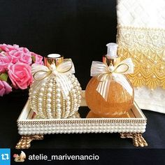 #Repost @atelie_marivenancio with @repostapp.・・・#lavabo #kit #luxo #difusor #home #homeSpray #difusordevaretas #sabonete #handsoap #glitter #laço #pérolas #toalha #toalhabordada #casa #casacheirosa