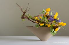 Easter Ikebana with tulips - Ilse Beunen