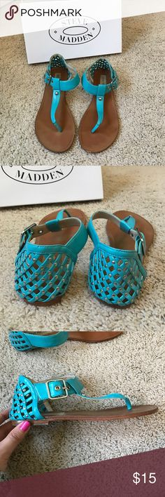 Steve Madden Sandals Worn a few times, still in really good condition! Very comfortable and super fun color. Steve Madden Shoes Sandals