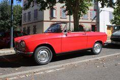 https://flic.kr/p/w1m5By | Peugeot 204 cabriolet | Peugeot 204 cabriolet ce matin à Toulouse