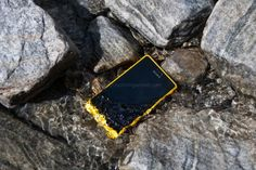 Sony Xperia Go Review: Take me out