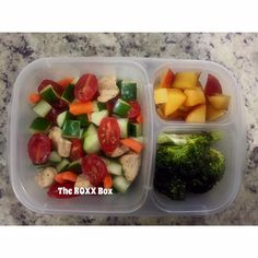 When eating healthy seems complicated, just remember to keep it simple. I made a salad using grilled diced chicken breast, cucumbers, carrots, and tomatoes. Also added some roasted broccoli and plums to my #EasyLunchboxes lunch