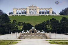 schonbrunn-gate Gate, Mansions, House Styles, Travel, Decor, Viajes, Decoration, Portal, Manor Houses