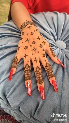 Small Henna Designs, Pretty Henna Designs, Basic Mehndi Designs, Beginner Henna Designs, Latest Bridal Mehndi Designs, Wedding Mehndi Designs, Mehandi Designs, Henna Beginners, Small Henna Tattoos