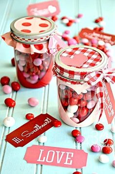 can be yourself with a nicely decorated jars do plastic tray of sweets;) #children #sweetness #birthday #for children #adoption