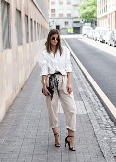 What does smart casual mean and how to dress for it Casual Chic, Smart Casual, Casual Looks, Dope Fashion, Fashion Pants, Fashion Looks, Fashion Outfits, Swag Fashion, Classy Outfits