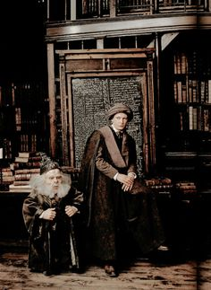 rowlinginthedepp:Hogwarts professors photographed by Annie. Harry Potter Movie Trivia, Harry Potter Cosplay, Harry James Potter, Harry Potter Characters, Harry Potter Universal, Harry Potter World, Hogwarts Professors, Mundo Harry Potter, Anniversaire Harry Potter