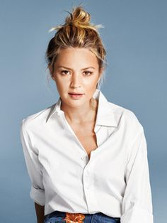 Belgian actress and TV host Birth date: May 1977 Place of birth: Brussels, Belgium Studio Portraits, White Shirts, Work Fashion, Role Models, Supermodels, Ikon, Blonde Hair, Actresses, Clothes For Women