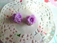 bijoux femme : Boucles d'oreilles clips femme trio de fleurs violettes @la boutique de nath : Boucles d'oreille par la-boutique-de-nath