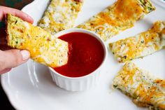 Cheesy Zucchini Breadsticks is a low carb breadsticks recipe perfect for using up summer's bounty of zucchini! These breadsticks use minimal flour. Veggie Recipes, Low Carb Recipes, Appetizer Recipes, Cooking Recipes, Healthy Recipes, Healthy Meals, Zuchinni Recipes, Party Appetizers, Side Recipes