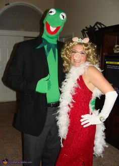 Kermit and Miss Piggy - Couples Halloween Costume Idea