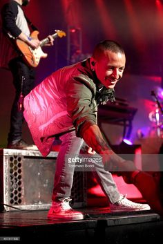 Musician Chester Bennington of Linkin Park performs at the Guitar Center's 50th anniversary special concert held at The Wiltern on October 24, 2014 in Los Angeles, California.