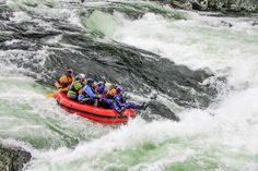 Alaina with 9 people in a 9Ft boat on Lochsa Falls Shameful!  Lochsa River, ID.