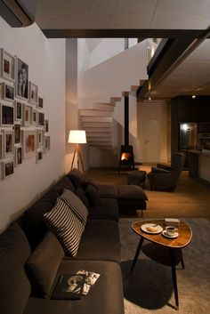 The Shaker in a design by Ola Wolczyk Architekt. Arch Interior, Modern Interior, Interior Design, Stone House Plans, Beaver Homes And Cottages, Salons Cosy, Modern Barn House, Modern Floor Plans, Industrial Home Design