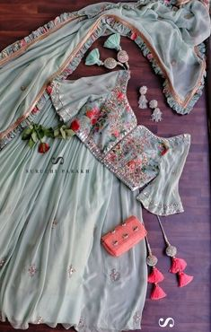 Indian Gowns Dresses, Indian Fashion Dresses, Indian Designer Outfits, Stylish Blouse Design, Fancy Blouse Designs, Designer Party Wear Dresses, Indian Bridal Outfits, Dress Indian Style, Lehenga Designs