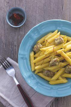 Pasta alla monzese: salsiccia e pistilli di zafferano. Buonissima e semplice da preparare!  Saffron and sausage pasta