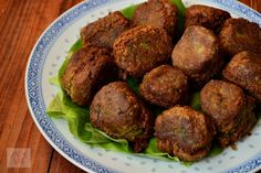 Falafel, chiftele de naut - CAIETUL CU RETETE Falafel, Quinoa, Food And Drink, Beef, Dishes, Ethnic Recipes, Diet, Meat, Falafels