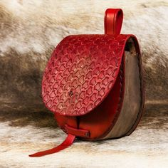 Etsy FEYKIR Red Leather VIKING BAG Pouch for Belt Early Medieval Middle Ages Pagan Norse Handmade Motive #handmadebeltsred