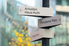 Wayfinding www.moniteurs.de Potsdamer Platz