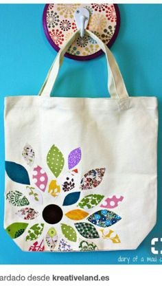 Flower Scrap Fabric Bag with Heat N Bond: A Tutorial- Bag Bond Fabric flower .Flower Scrap Fabric Bag with Heat N Bond: A Tutorial - Bag Bond Fabric flower Heat scrap 25 Free Scrap Fabric Projects, Fabric Scraps, Sewing Projects, Craft Projects, Sewing Crafts, Diy Sac, Bond, Diy Tote Bag, Fabric Purses