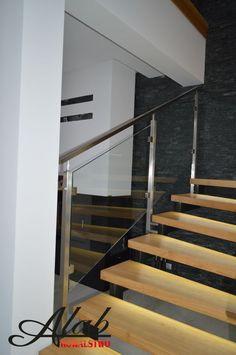 Balustrada szklana/ szkło/schody stalowe/ konstrukcja stalowa