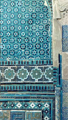 Image TRA 0812 featuring decorated area from the Shakh-i-Zindeh complex, in Samarkand, Transoxiana, showing Geometric Pattern and Floriated Arabesque using ceramic tiles, mosaic or pottery.
