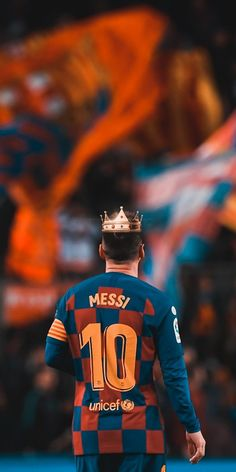 Sports Discover The king of football Football Icon, Best Football Players, Football Boys, World Football, Fc Barcelona, Lionel Messi Barcelona, Barcelona Soccer, Messi Pictures, Messi Photos