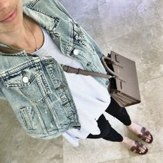 light wash jean jacket outfit