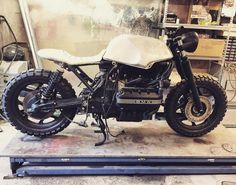 """Mi piace"": 55, commenti: 7 - Uroš Dolenc (@urosd) su Instagram: ""Slowly getting its final shape #bmw #motorrad #k100 #motorcycle #custom #scrambler #cafferacer…"""