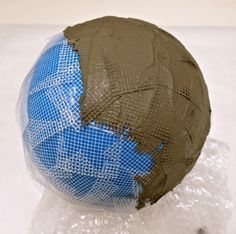 How to Make A Lightweight Concrete Garden Sphere for Mosaic — Institute of Mos. - How to Make A Lightweight Concrete Garden Sphere for Mosaic — Institute of Mosaic Art - Cement Art, Concrete Art, Concrete Garden, Concrete Leaves, Concrete Planters, Glass Garden, Concrete Casting, Concrete Sculpture, Water Garden
