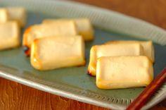 水切りをした豆腐を一晩味噌につけて焼いた「豆腐の西京焼き」。豆腐がまるでチーズのような奥深い味わいに♪