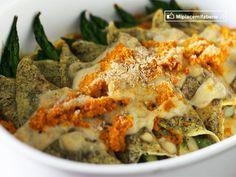 Crespelle agli asparagi con salsa di carote