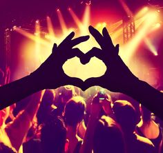 WHATS BEERING DOWN MUSIC FESTIVALS - a Localturnon take on whats ailing these concerts .. read on ! #turnon #music | #turnon #happiness | #turnon #Life !  http://blog.localturnon.com/music-festivals/