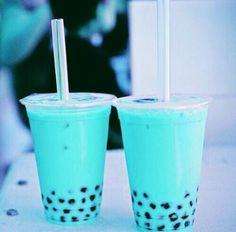 B e l l a M o n t r e a l in 2019 Boba drink Bubble tea Food Bebidas Do Starbucks, Starbucks Drinks, Starbucks Secret Menu, Boba Drink, Tumblr Food, Blue Food, Aesthetic Food, Blue Aesthetic, Milk Tea