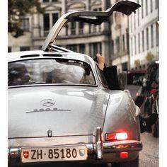Legend - Mercedes 300SL Gullwing