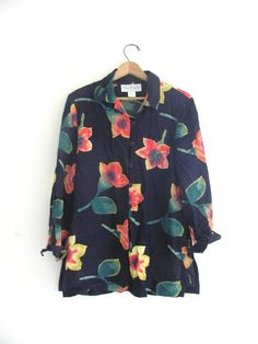 80s floral shirt. button up blouse. oversized revival top. / size small from dirty birdies vintage