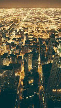 freeios8.com - mm54-chicago-night-sky-city - http://goo.gl/yXNgaw - iPhone, iPad, iOS8, Parallax wallpapers