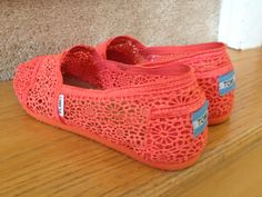 pink/coral crochet toms