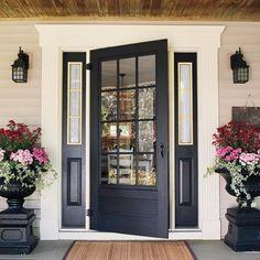 Such a pretty entryway!