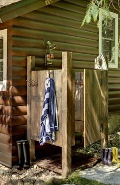 32 beautiful DIY outdoor shower ideas: creative designs plans on how to build easy garden shower enclosures with best budget friendly kits fixtures! – A Piece of Rainbow outdoor projects, backyard, landscaping, Outdoor Bathrooms, Outdoor Baths, Outdoor Kitchens, Small Bathrooms, Outdoor Rooms, Open Kitchens, Chic Bathrooms, Outdoor Photos, Dream Bathrooms