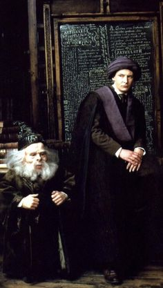 Hogwarts Professors: Quirrell and Flitwick from 'Harry Potter and the Sorcerer's Stone' -- Costume Designer: Judianna Makovsky Harry Potter Universal, Harry Potter Characters, Harry Potter World, Diy Costumes, Movie Costumes, Hogwarts Professors, The Sorcerer's Stone, Potter Facts, Forever