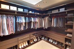 14 Walk In Closet Designs For Luxury Homes The best of luxury closet design in a selection curated b Wardrobe Room, Wardrobe Design Bedroom, Master Bedroom Closet, Dressing Room Closet, Dressing Room Design, Dressing Rooms, Walk In Closet Design, Closet Designs, Organizar Closet