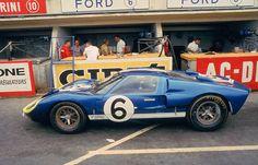 Holman & Moody Ford GT40 Mk II #1031 Lucien Bianchi / Mario Andretti Le Mans, 1966