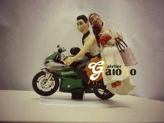 Noivinhos personalizados na moto, escultura humanizada realista