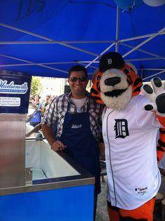 Alex Avila scoops ice cream for charity « Comerica Park, 48201