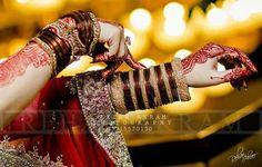Dpz Western Look, Bridal Mehndi, Mehendi, Indian Wedding Jewelry, Henna Artist, Girls Dpz, Red Wedding, Bollywood Fashion, Beautiful Hands