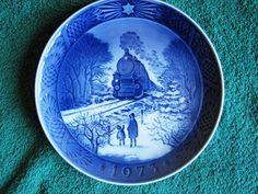 Royal Copenhagen 1973 Christmas Plate Going Home for Christmas blue & white train